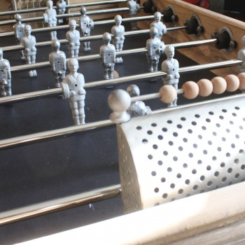 baby-foot de collection en bois